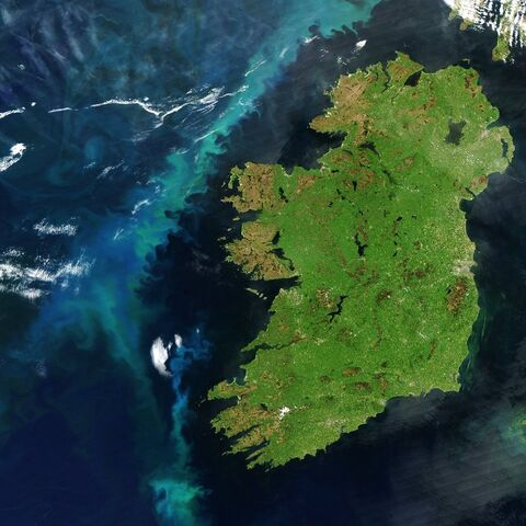 File:Irelandsatellite.jpg