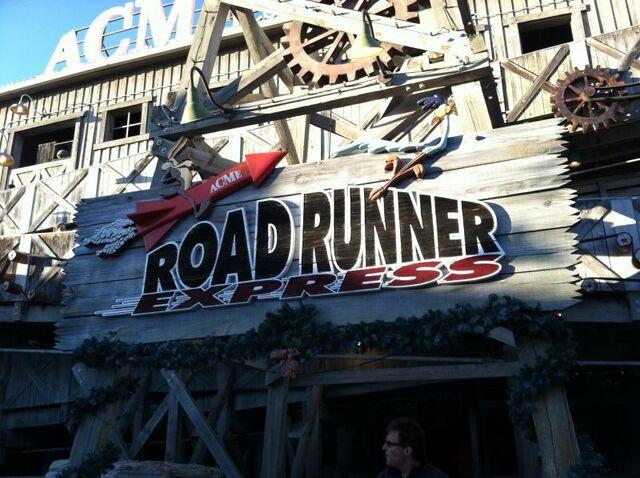 File:Road-runner-express-GimQ.jpg