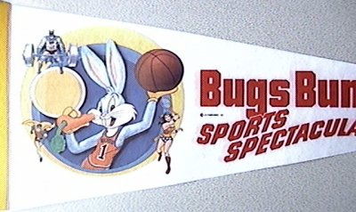 File:Bugs Bunny Meets the Superheroes penant.jpg