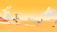 Wile E. Coyote and Road Runner (Bubble Trouble)