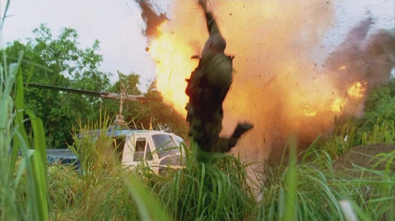 ملف:4x13 Omar killed by grenade.jpg