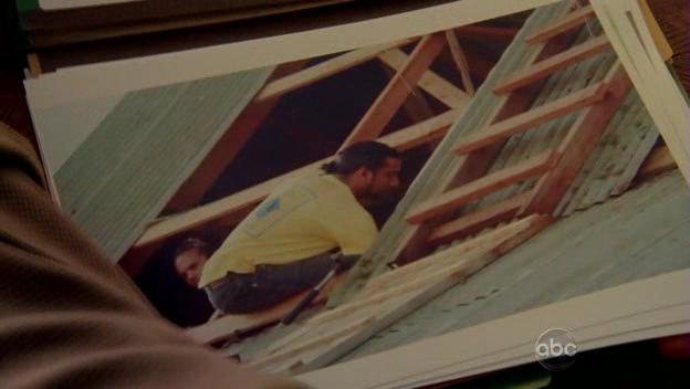 File:5x07 Photo of Sayid.png