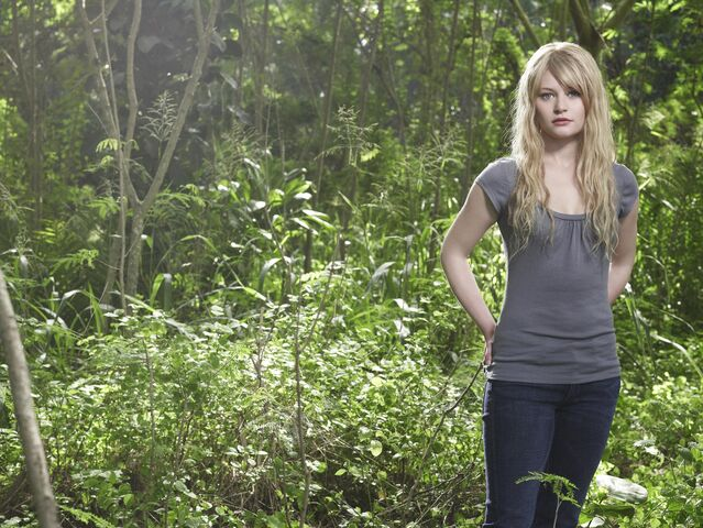 File:Lost Season4 Claire2.jpg