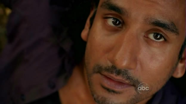 File:5x10-under-influence-sayid.jpg