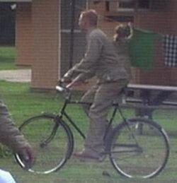 رجل الدراجة