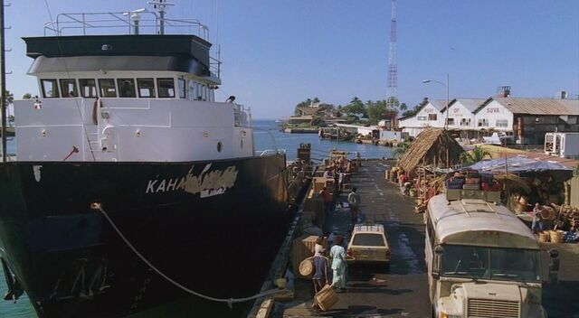 Archivo:4x08 Kahana in port in Fiji.jpg