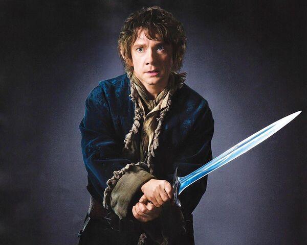 File:Desolation - Bilbo and Sting.jpg