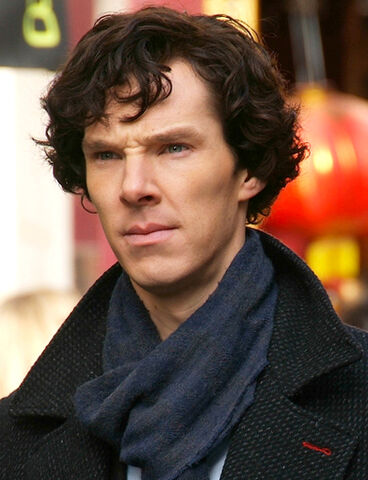 File:Benedict Cumberbatch filming Sherlock cropped.jpg
