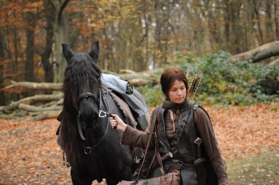 File:Elgarian and Horse.jpg