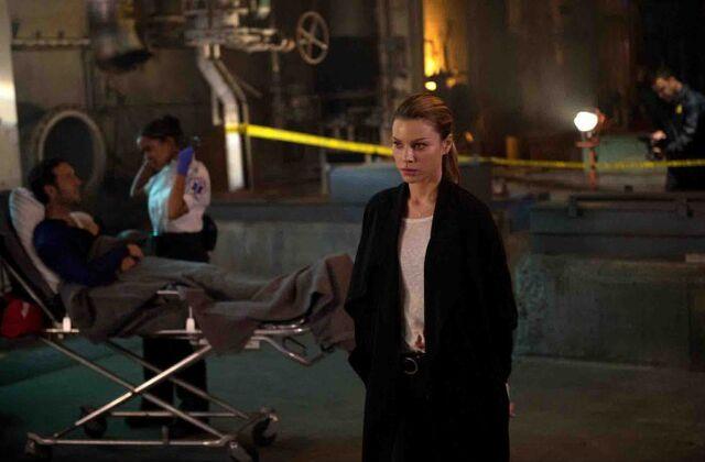 File:104 Chloe after shooting Lucifer.jpg