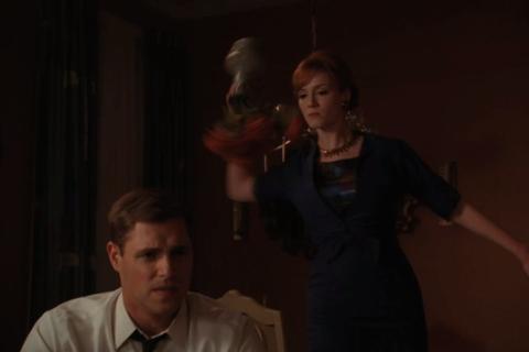 File:Joan smash a vase over Greg.png