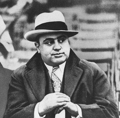 http://vignette3.wikia.nocookie.net/mafia/images/5/51/Capone.jpg/revision/latest?cb=20160417195744