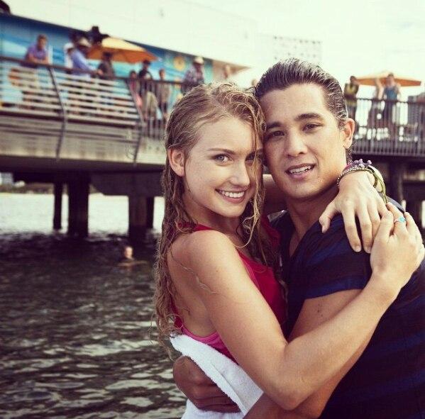 Image - Zac hugging Ondina.jpg   Mako Mermaids Wiki ...
