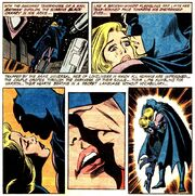 Batman Black Canary kiss 01