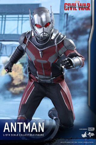 File:Ant-Man Civil War Hot Toys 13.jpg