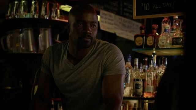 File:LukeCage-bar-drug-dealing.jpg