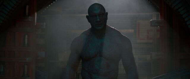 File:Drax-confronts-Gamora-shadows.jpg