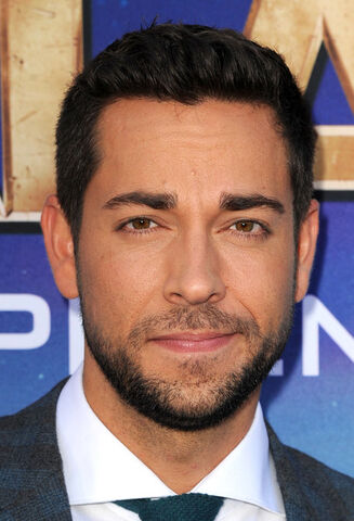 File:Zachary Levi.jpg