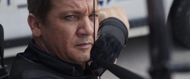 File:Hawkeye Civil War02.jpg