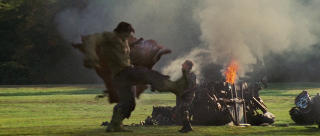 File:Hulk kicks Blonsky.png