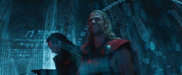 File:Loki and Thor in a Dark Elf Ship 2.jpg