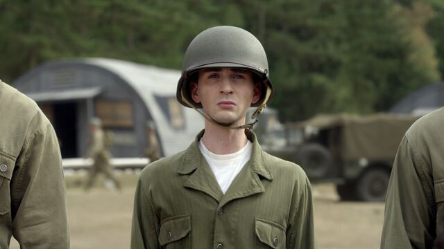 File:1899560-the chris evans blog 090711 028.jpg