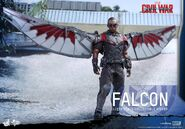 Falcon Civil War Hot Toys 3