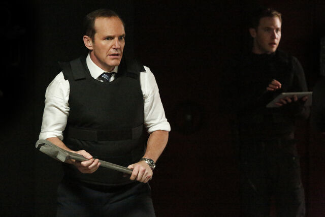 File:Phil-Coulson-Fitz-fight-Gordon.jpg