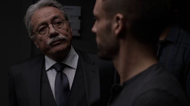 File:Gonzales-meets-Lance-Hunter.jpg