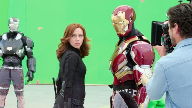 File:Black Widow with Iron Man & War Machine (Atlanta, GA - The Making of CACW).png