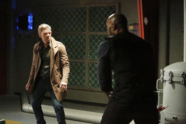 File:Gordon-fights-Mackenzie.jpg