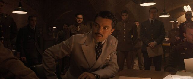 File:HowardStark-WhiteSuit.jpg