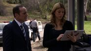 Phil-Coulson-Bobbi-Morse-Investigation-Asylum