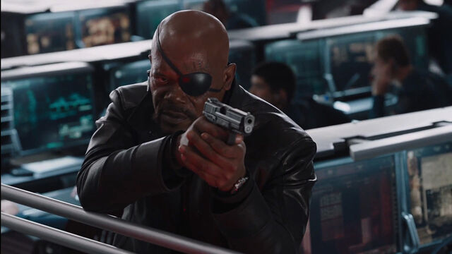 File:Nick-Fury-Helicarrier-Gunfight-Avengers.jpg