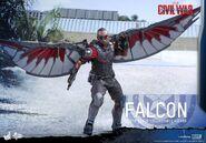 Falcon Civil War Hot Toys 2