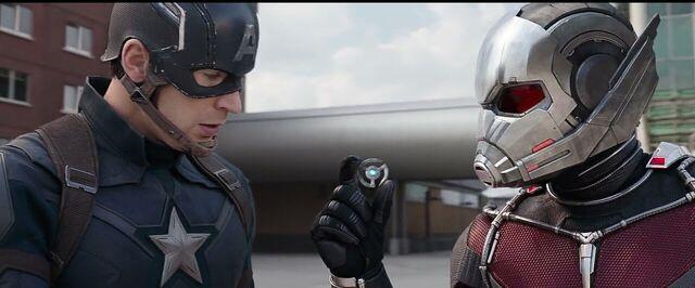 File:Pym Disc Captain America Civil War.jpg