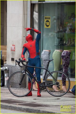 File:Spider-man-swings-into-action-on-set-18.jpg