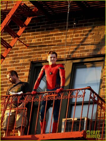 File:Tom-holland-performs-his-own-spider-man-stunts-on-nyc-fire-escape-11.jpg