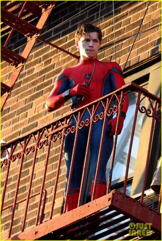 File:Tom-holland-performs-his-own-spider-man-stunts-on-nyc-fire-escape-05.jpg