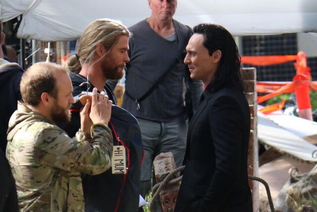 File:Thor - Ragnarok - Set - August 21 2016 - 5.jpg