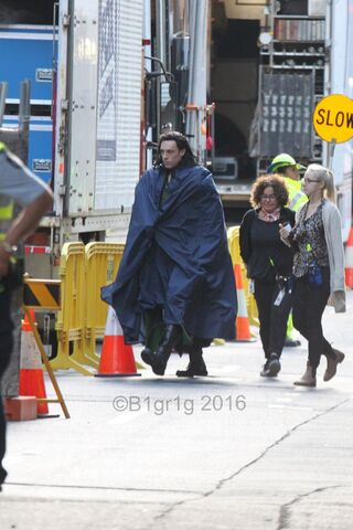 File:Thor - Ragnarok - Set - September 1 2016 - 4.jpg