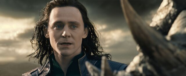 File:Loki faces Kurse.jpg