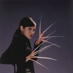 Lady Deathstrike fingertip adamantium claws