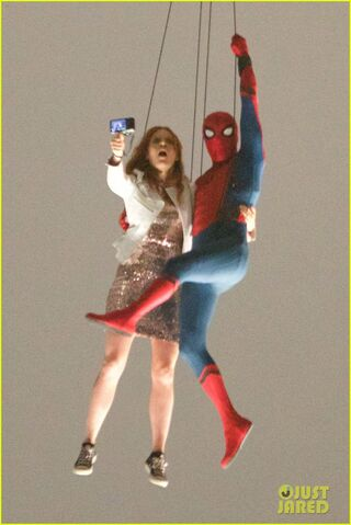 File:Spider-man-stunt-doubles-helicopter-scene-01.jpg