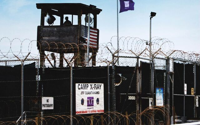 File:2001 camp x-ray.jpg