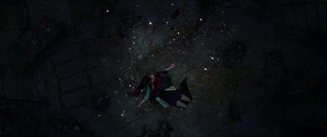 File:Gwen Corpse 5.jpg