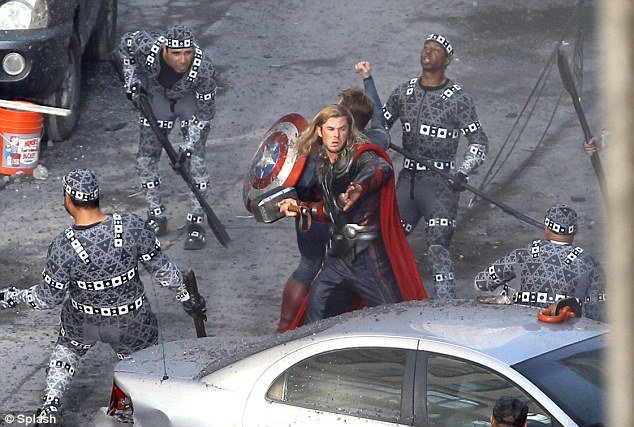 File:The-avengers-set-photos-0819-2.jpg