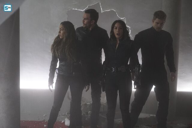 File:Agents of SHIELD S3E17 - The Team Image 02.jpg