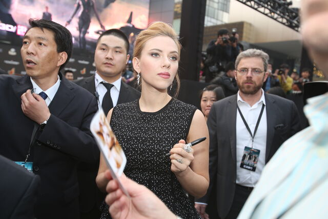 File:Captain America Winter Soldier Beijing Fan Event Scarlett Johansson.JPG