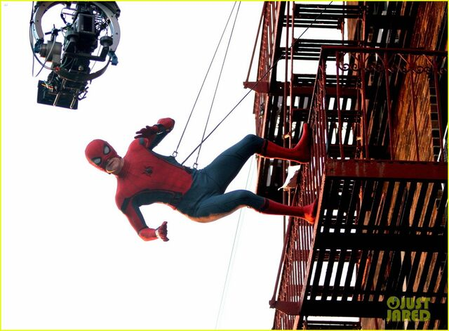 File:Tom-holland-performs-his-own-spider-man-stunts-on-nyc-fire-escape-01.jpg